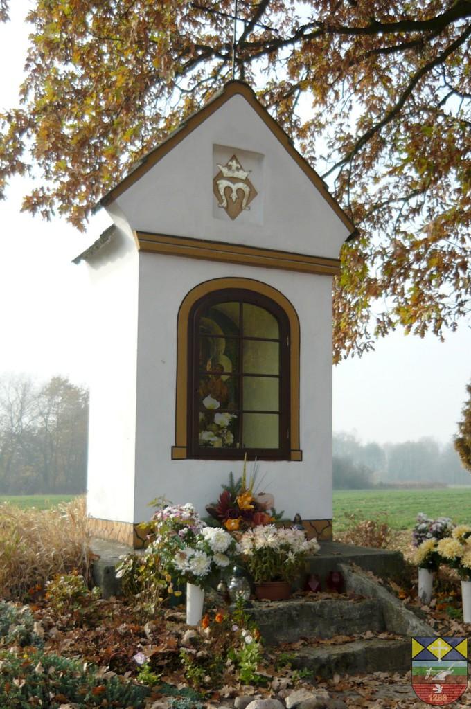 Kapliczka słupowa - Stare Siołkowice Młyńska 14.jpeg