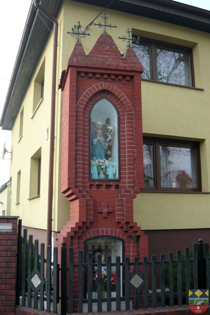 Kapliczka słupowa - Stare Siołkowice Klapacz45.jpeg