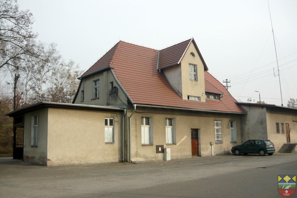 Budynek stacji kolejowej - Popielów, Dworcowa.jpeg