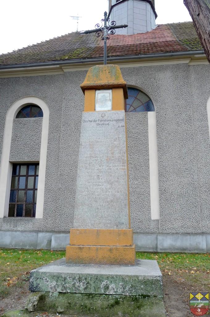 Pomnik poległych w I Wojnie Światowej - Kurznie, Mickiewicza.jpeg