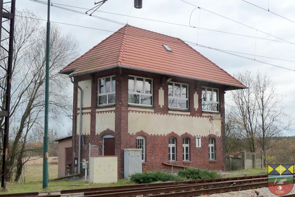 Nastawnia Kolejowa - Karłowice.jpeg