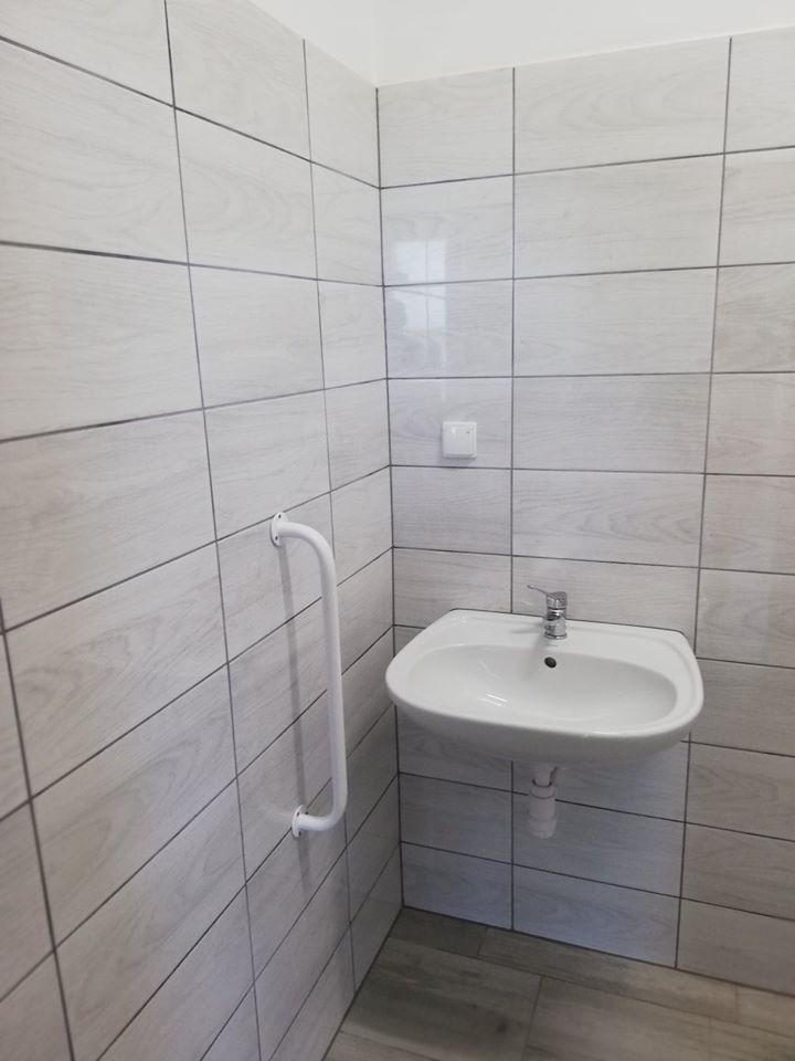 Stobrawa świetlica toaleta