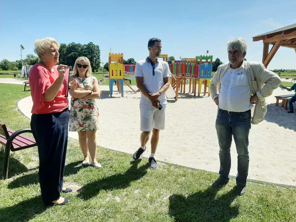 Komisja konkursowa, Pani Wójt Sybilla Stelmach na kąpielisku