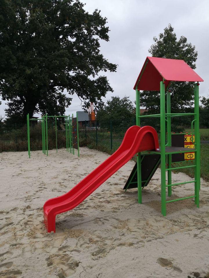 Plac zabaw w sołectwie Rybna drabinki (2).jpeg