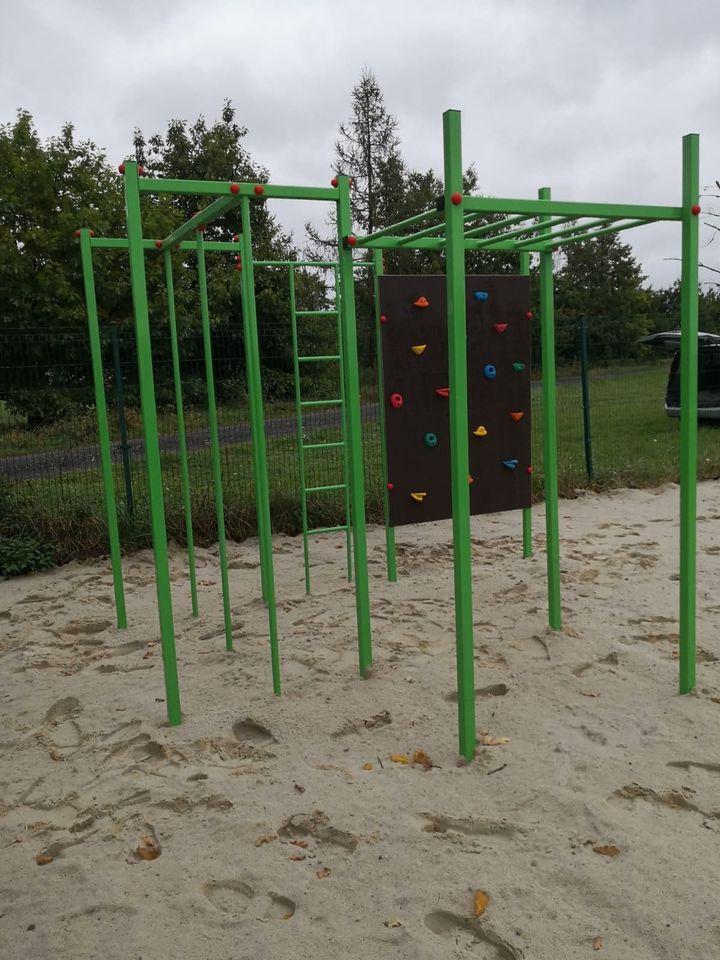Plac zabaw w sołectwie Rybna drabinki (1).jpeg