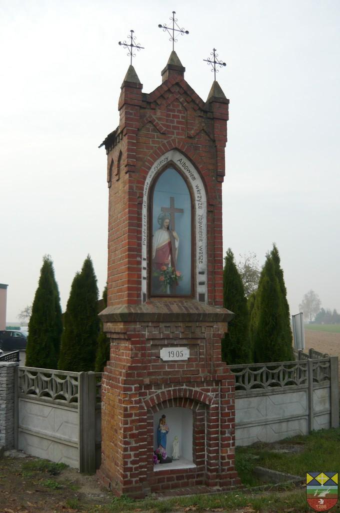 Kapliczka słupowa - Stare Siołkowice Zapłocie 26.jpeg