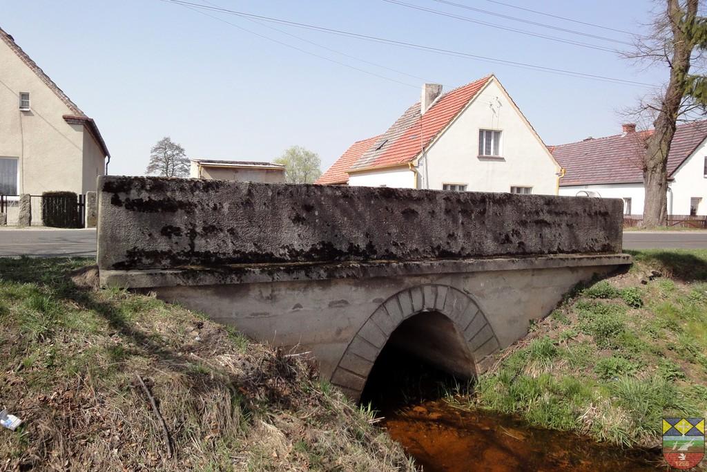 Most drogowy na rowie melioracyjnym - Stare Siołkowice Klapacz.jpeg