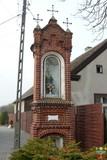 Kapliczka słupowa - Stare Siołkowice Błonie 8.jpeg
